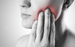 顎関節症の原因と症状